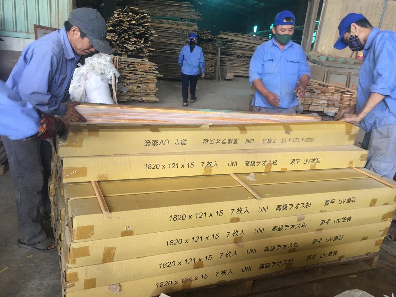 Xưởng sản xuất đồ gỗ tự nhiên