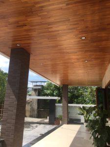 Trần nhà bằng gỗ thông